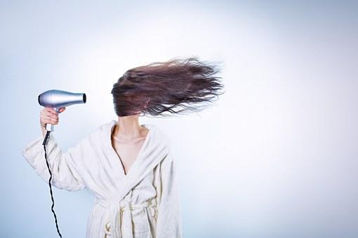 Utiliser la technique à froid pour une extension de cheveux naturelle