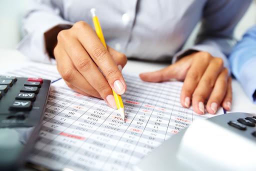 Pourquoi faire appel à un comptable à Ixelles en ligne ?